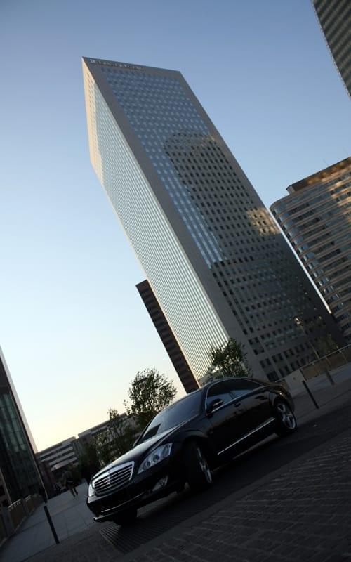 Service de voiture avec chauffeur pour voyageurs d'affaires exigeants